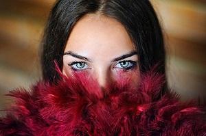 目のクマ治療って何があるの?